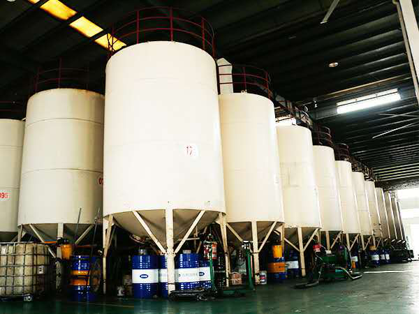 英吉淬火油生产厂家