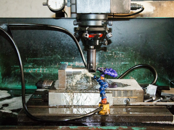 金属防锈油如何进行涂抹——东莞金属防锈油