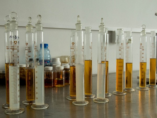 液压油与液压导轨油,能混用吗?