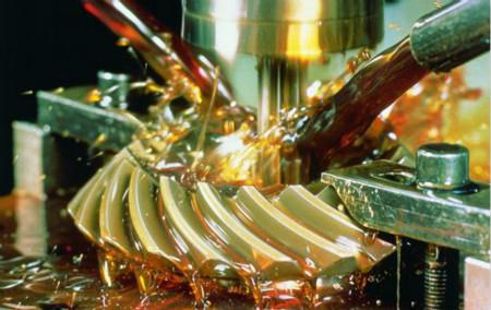 玻璃切削液相对于金属切削液来说有什么不同英吉金属切削液